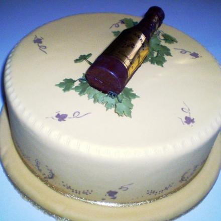 cumpleanos caballeros torta vino anejo